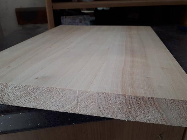 Listelli-legno-lamellare-castagno-Milano